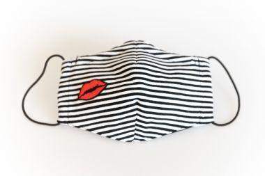 "4-lagige Behelfsmaske ""Kiss n Stripes"""