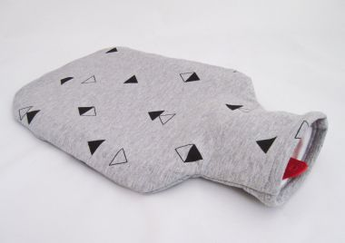 "Wärmflaschenhülle ""graue Dreiecke"""